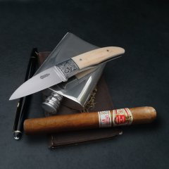 aficionado-gravur-fetting-messer4-low.jpg